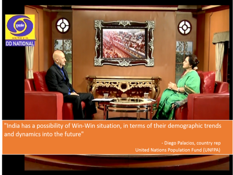 Diego Palacios discusses Indian Population on Aaj Savere, DD National on World Population Day (2/2)